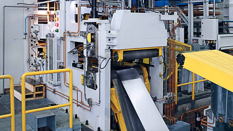 Rolling process on 4-high-rolling-mill in Taicang