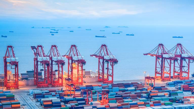 Localizações logísticas mundiais para garantir a disponibilidade de produtos de tiras de aço